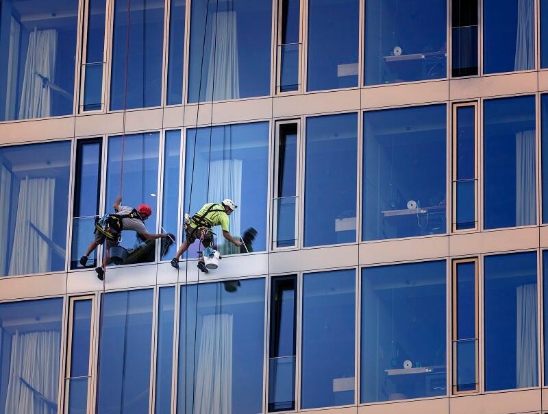ניקוי חלונות אוסמוזה הפוכה עם חברת קרן שמש